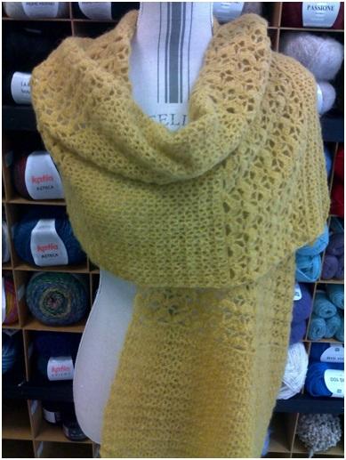 Etole femme jaune moutarde : alpaga, laine, polyamide | Mercerie Fil A point à Sens 89